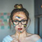 Makes de primavera-verão para quem usa óculos