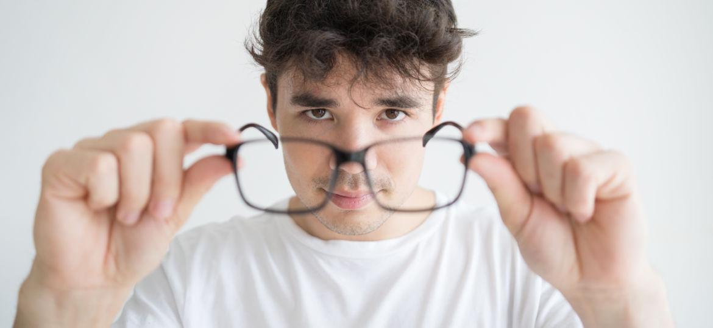 Dicas para modelos de óculos masculino de acordo com seu rosto